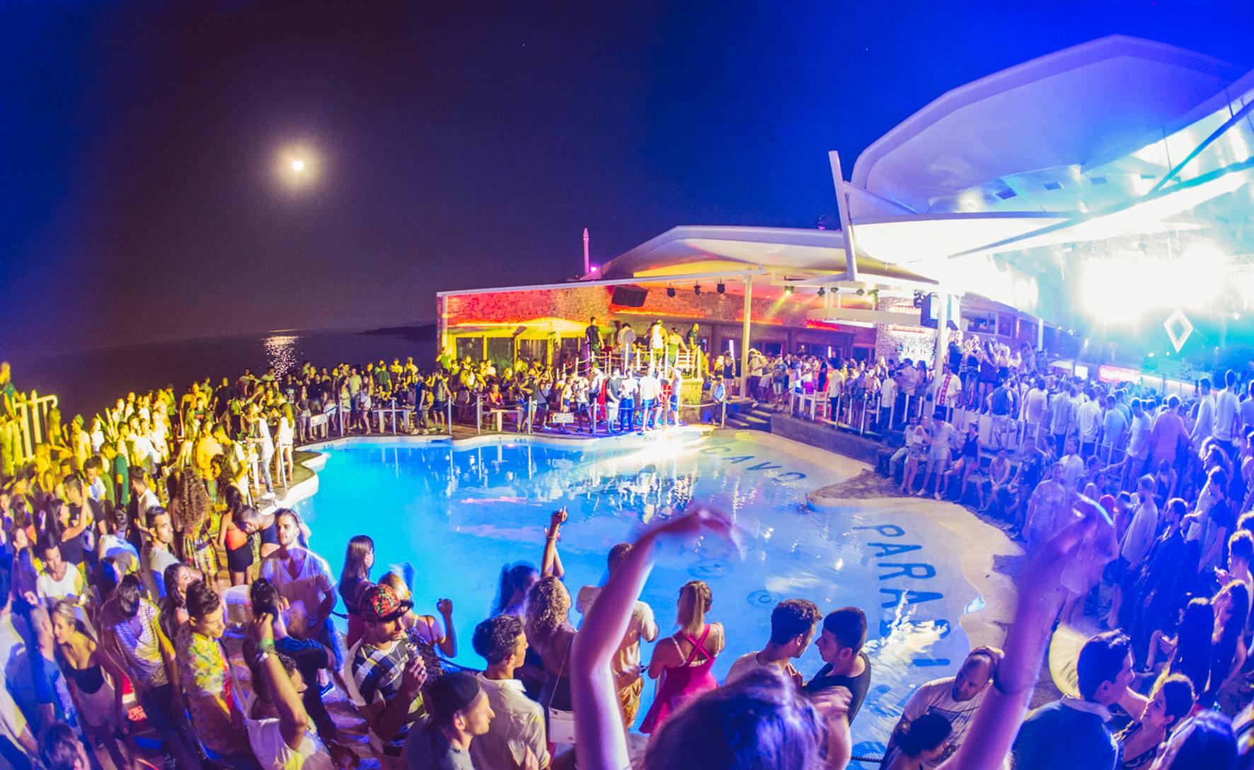 Mykonos Girls Greece In In Night Club