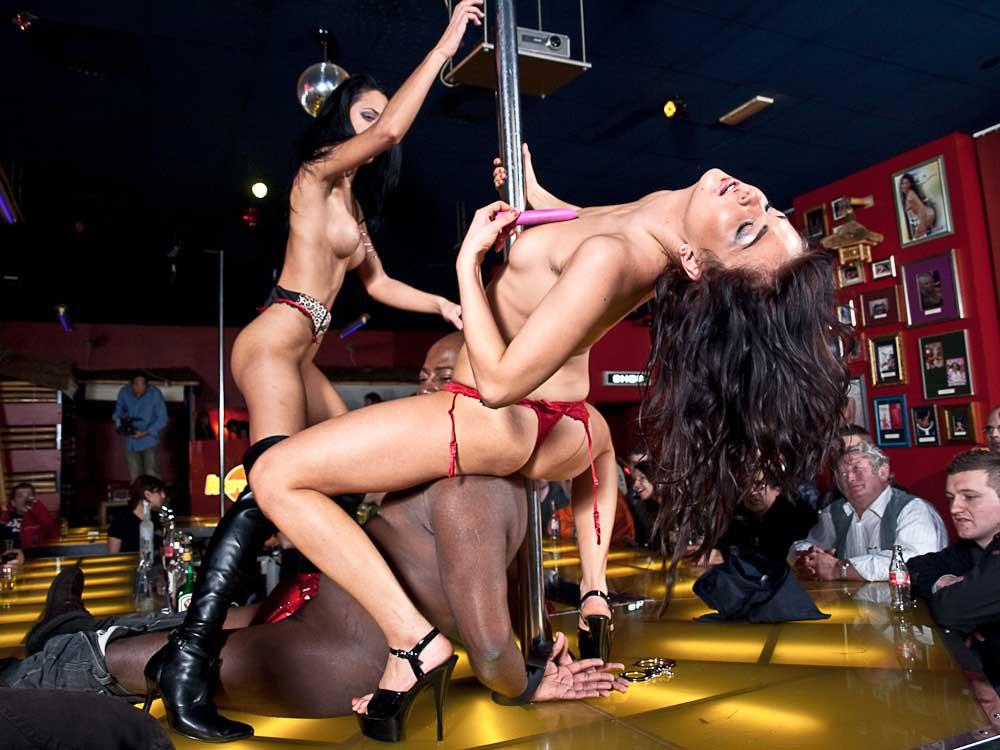 Ydney Core Club Strip Hard Ljubljana