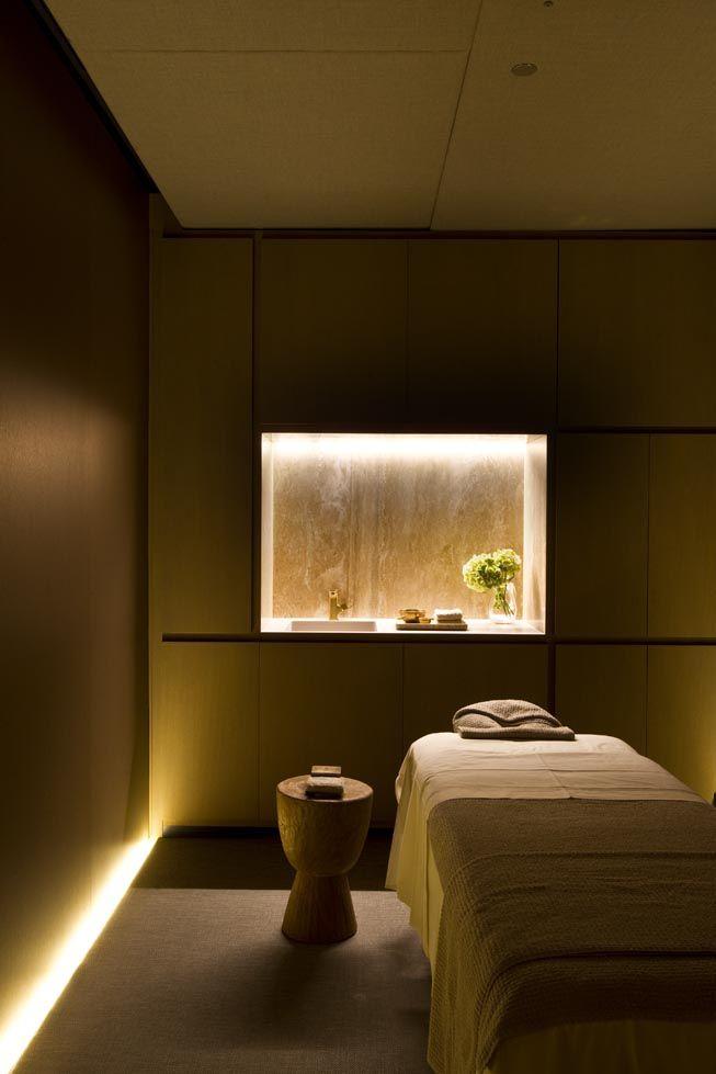 Massage Clinica Paulo Shangri-la Parlors So