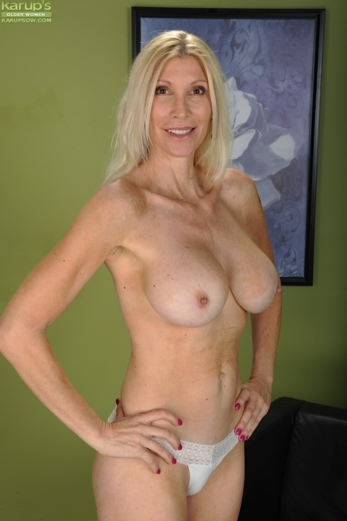 To Sex For Woman 55 Blond Looking 60