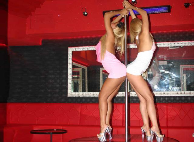 Oshawa Strip Araba Fenice Rome Club Priv