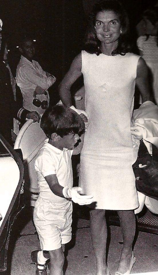 Kennedy Escort Queen And Duhram