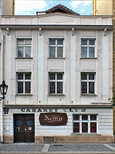 Moms Prague Parlors Club Sauna Massage Kingsway