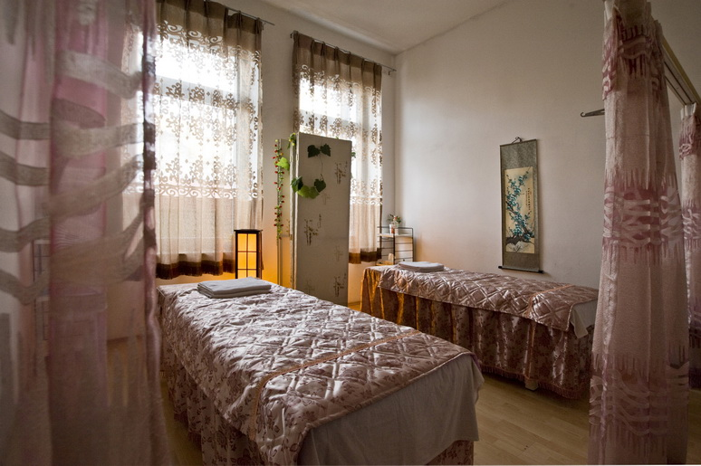 Massage Ayantra Parlors Cologne Massages Citi