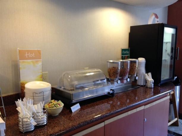 Escort Quality Inn Suites Dixie 401 Toronto