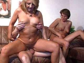 Looking Wht Kinky Austin Couple A Older Couple For Kinky