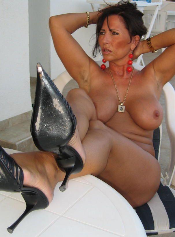 Sexy Singles Brunette Free Lady