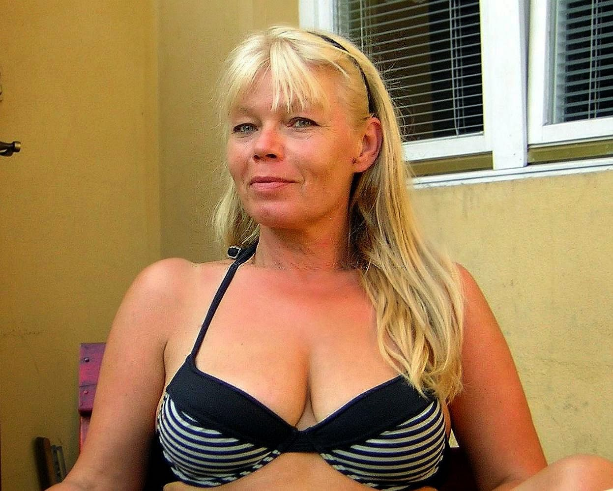 Woman Blond Encounter 60 Seeking Man Sexual To 55 Divorced