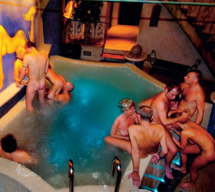 Longterm Swinger Sydney Couples Club Guest