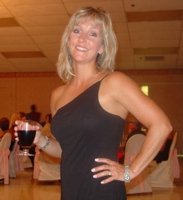 Blond Singles Dating Looking For Sex In Windsor