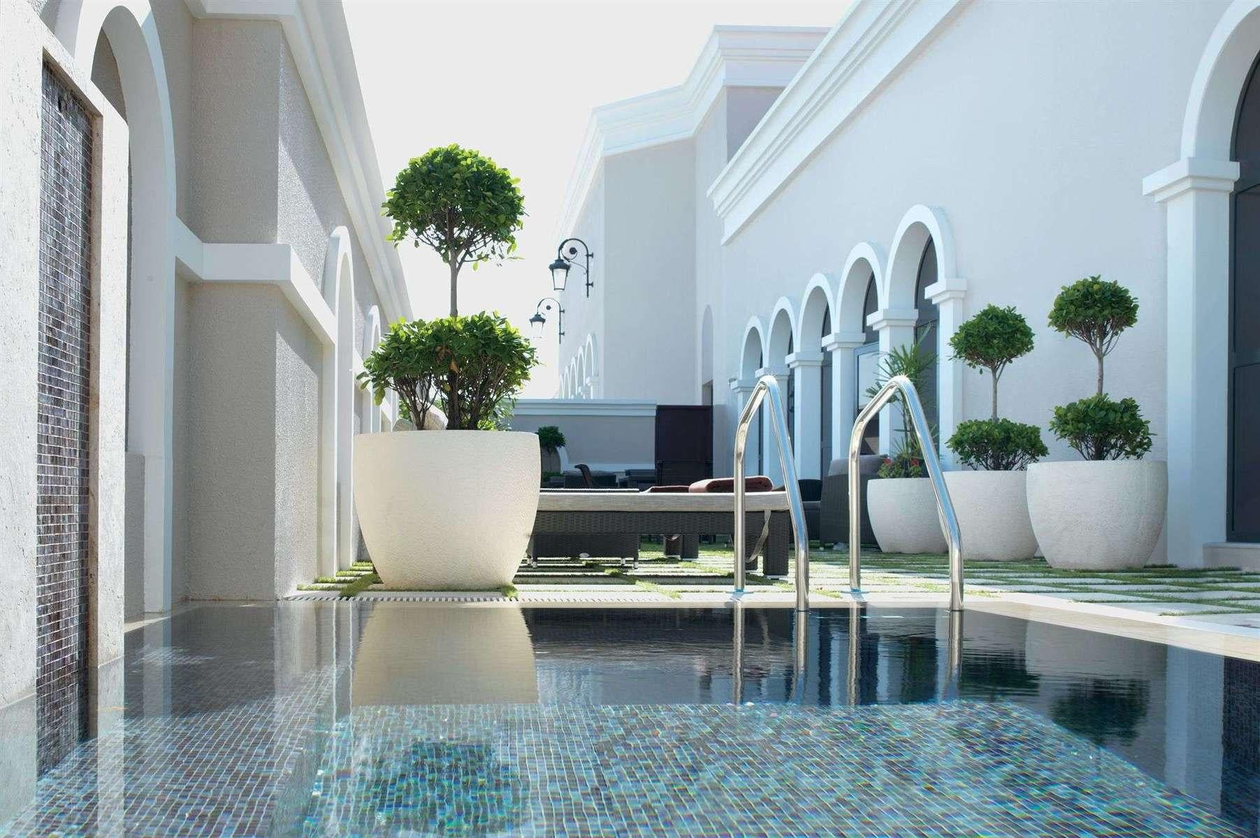 Love Hotels In Abu Dhabi United Arab Emirates
