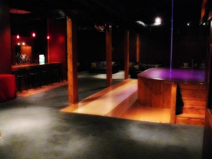 Teresa Syracuse Club Whoosah Strip Compliamor