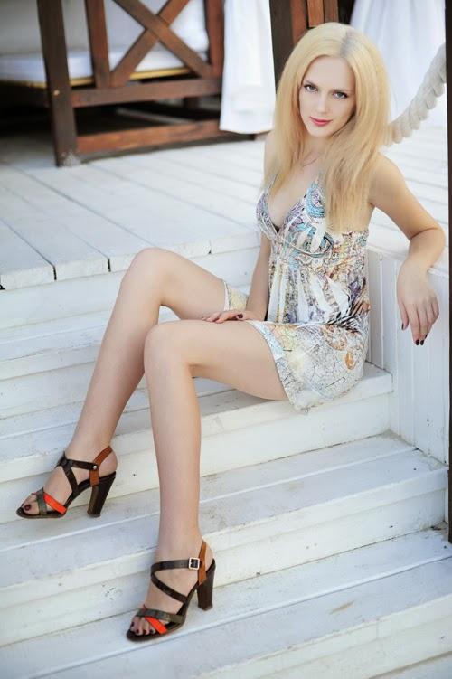 Laylaa Dating Spanish Blonde Bitch