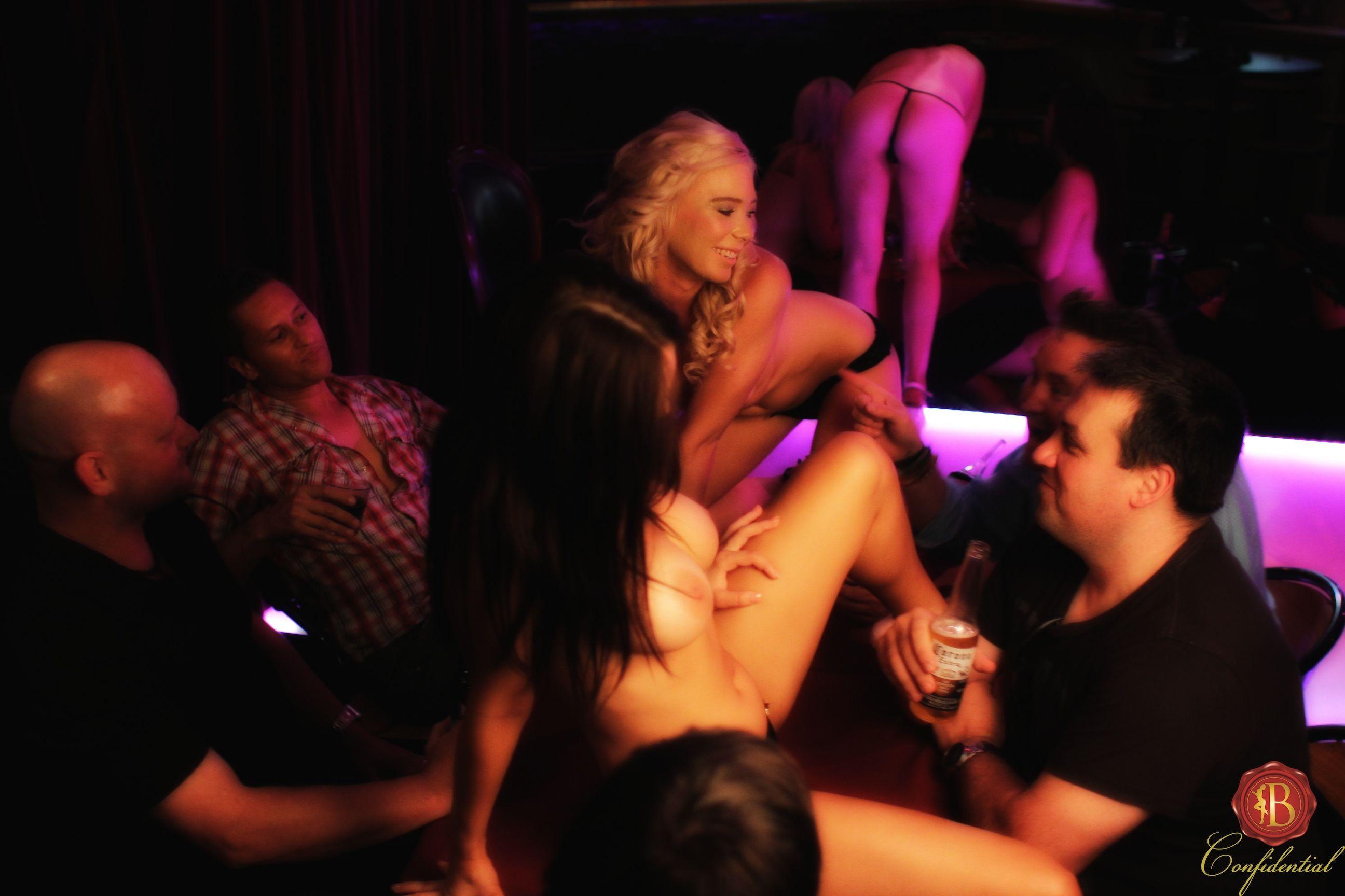 Michael Club Sydney Strip Velvet Underground Bona